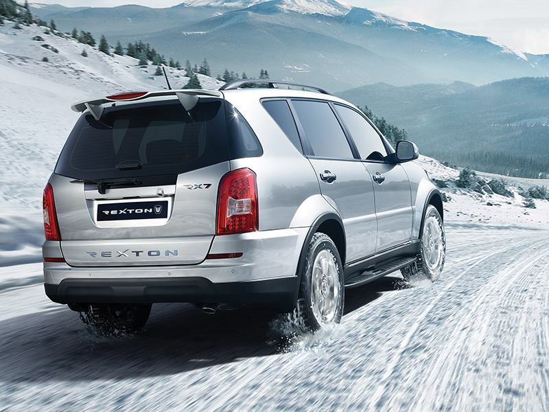 2015 Ssangyong Rexton facelift rear three quarter