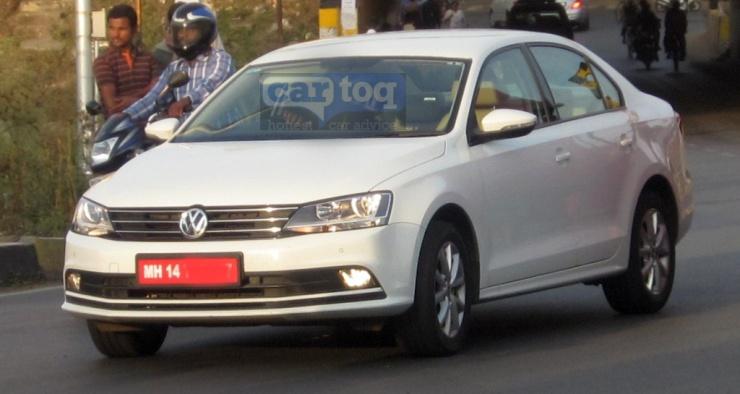 2015 Volkswagen Jetta spied front three quarter India