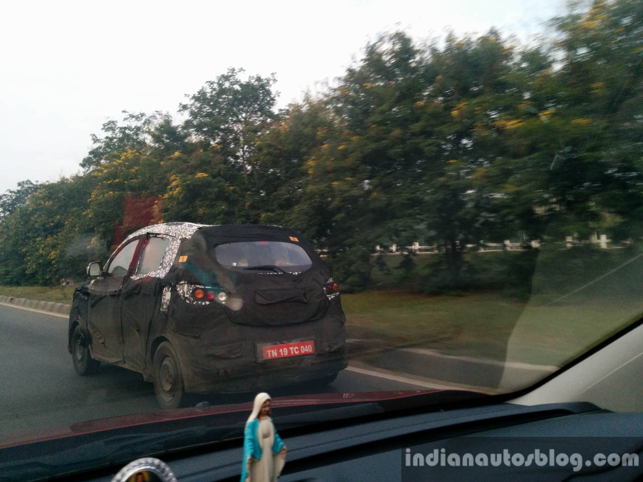 Mahindra S101 Compact Crossover spied in Chennai rear three quarters