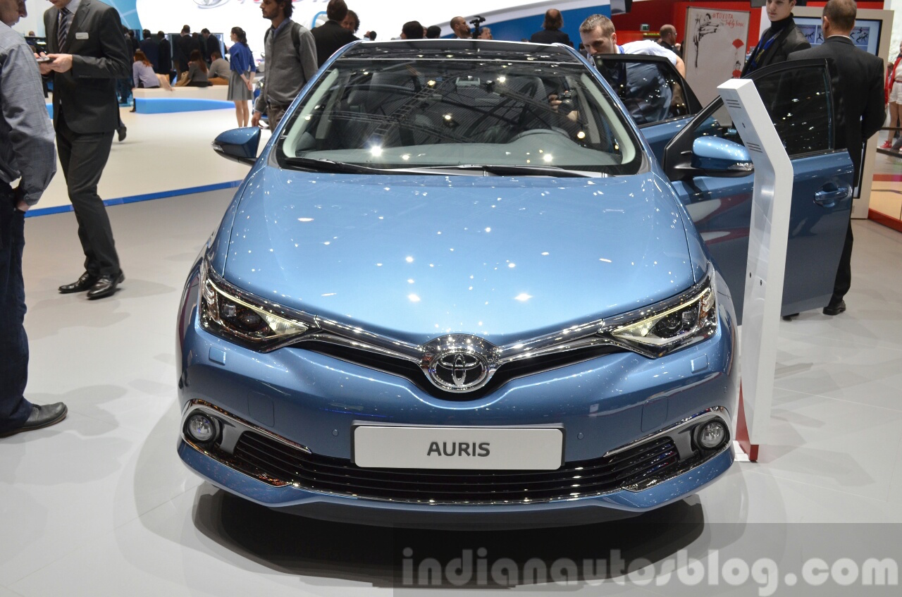 toyota auris toyota avensis geneva 2015 live. Black Bedroom Furniture Sets. Home Design Ideas