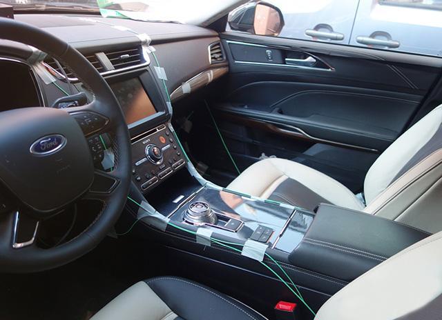 2016 Ford Taurus Sho >> 2016 Ford Taurus interior revealed in spyshots