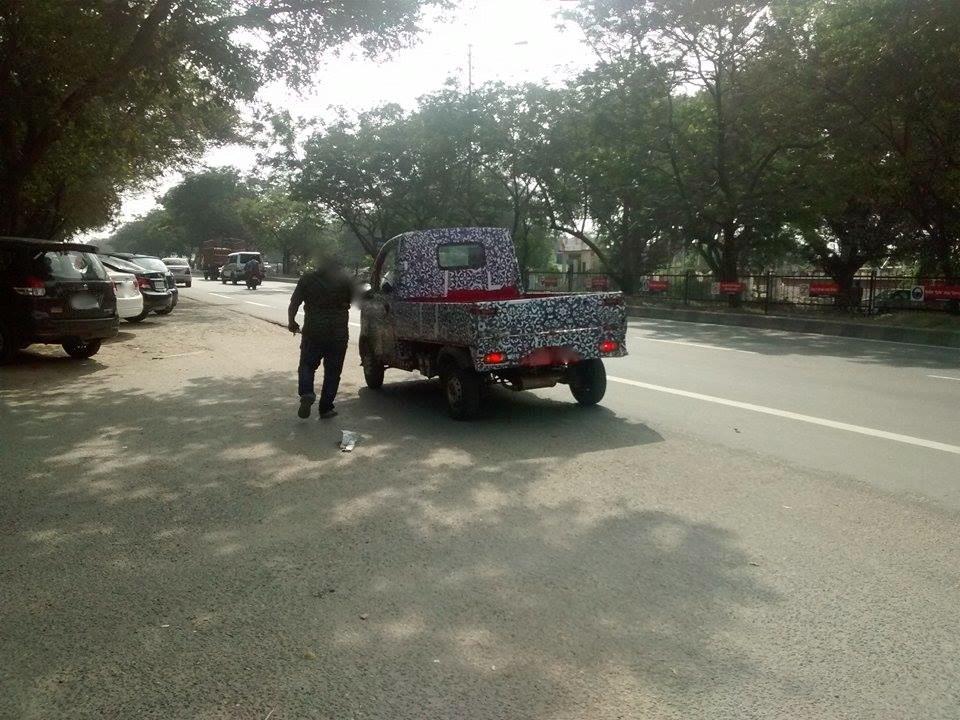 Mahindra P601 LCV rear end spyshot