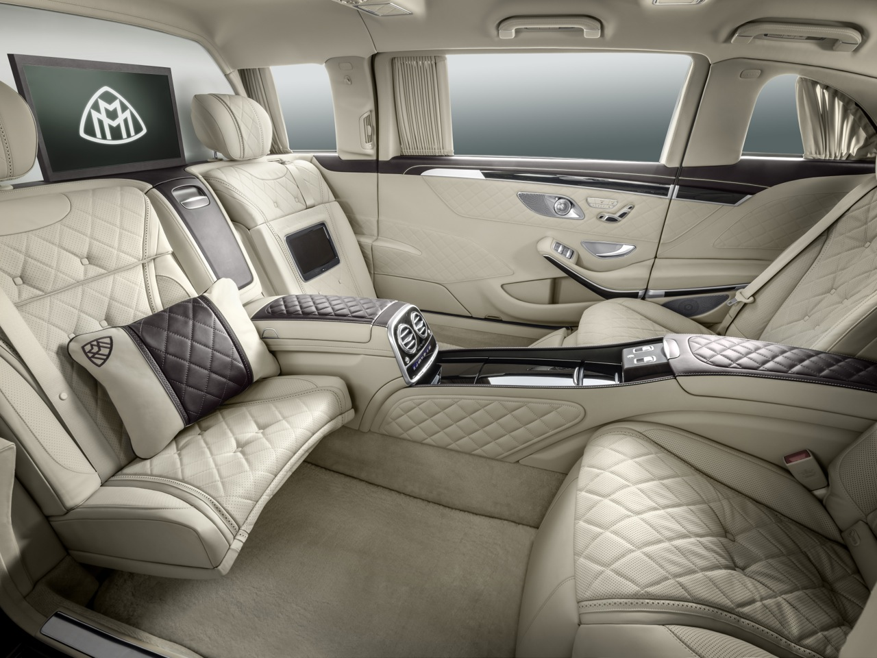 mercedes maybach s600 pullman fully exposed