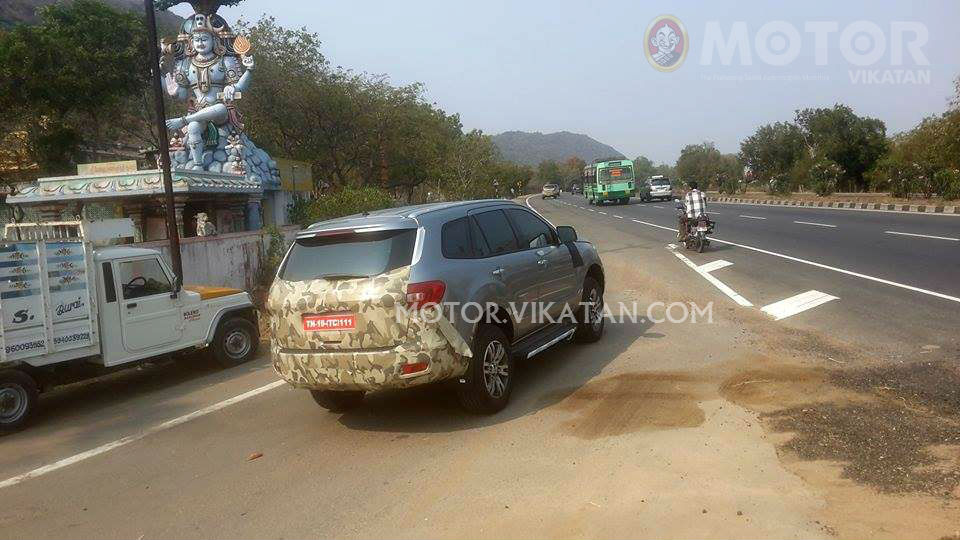 2015 Ford Endeavour rear three quarter spotted testing in India