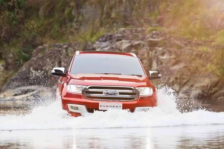 2015 Ford Everest front press shot