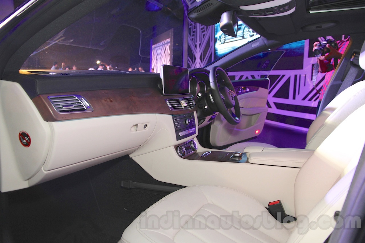 2015 Mercedes CLS front seats from launch in India