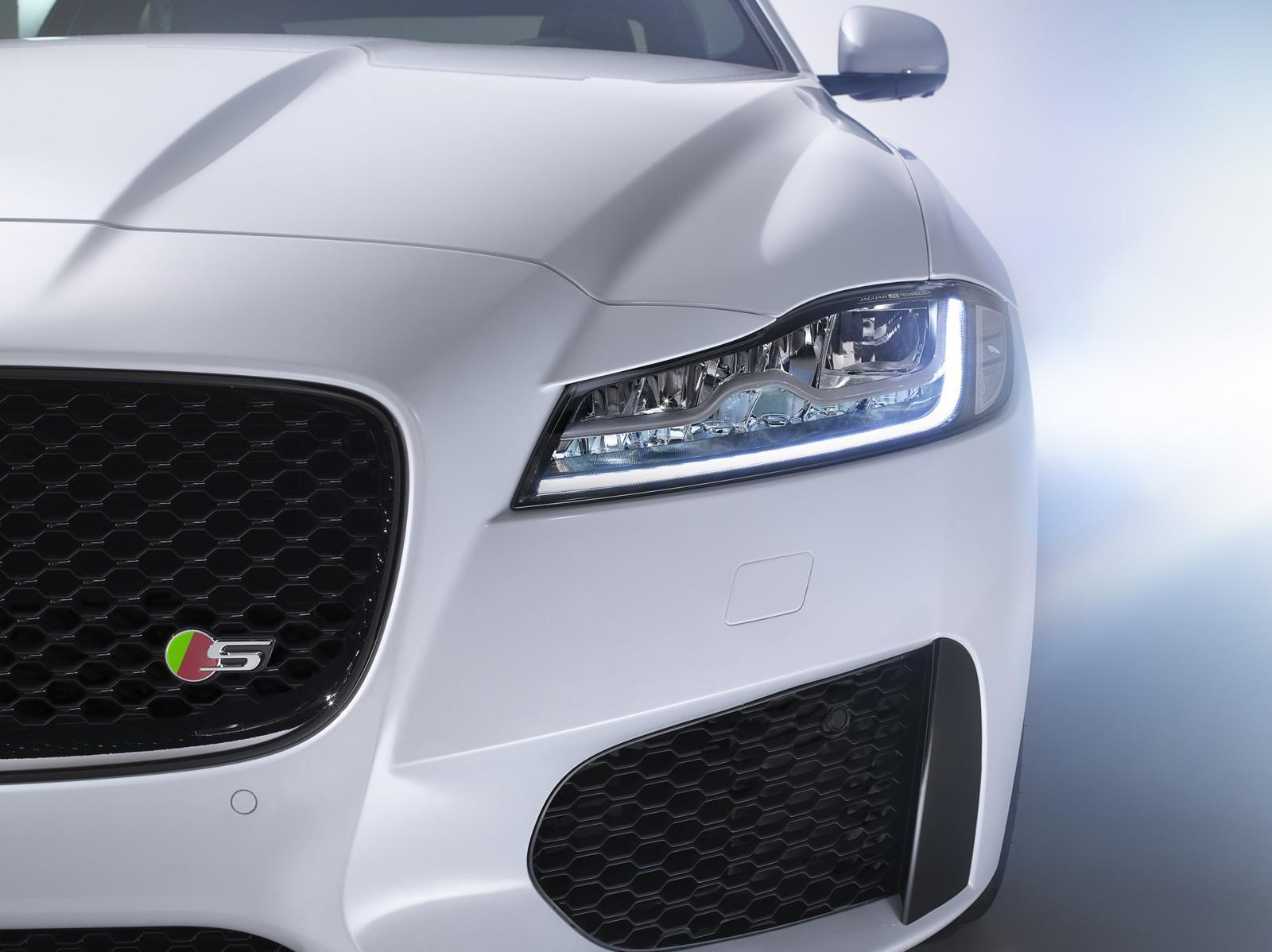 2016 Jaguar XF full LED headlamp official image
