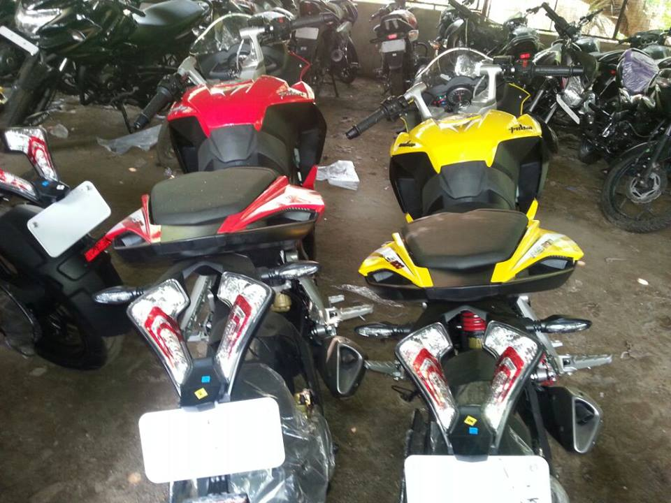 Bajaj Pulsar RS200 ABS rear