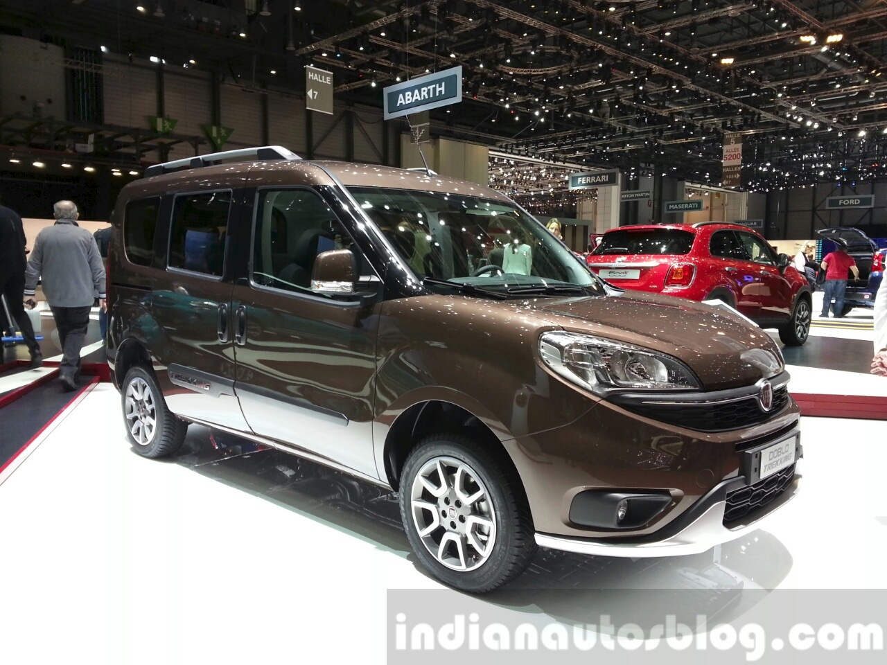 fiat doblo trekking 2015 geneva live. Black Bedroom Furniture Sets. Home Design Ideas