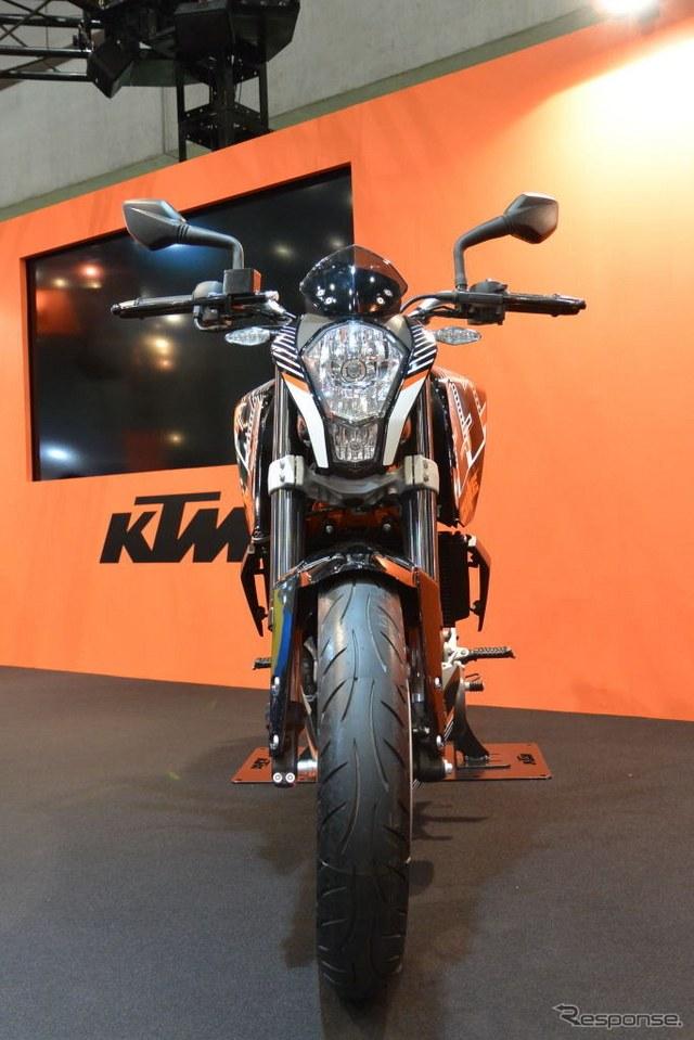 KTM 250 Duke front view