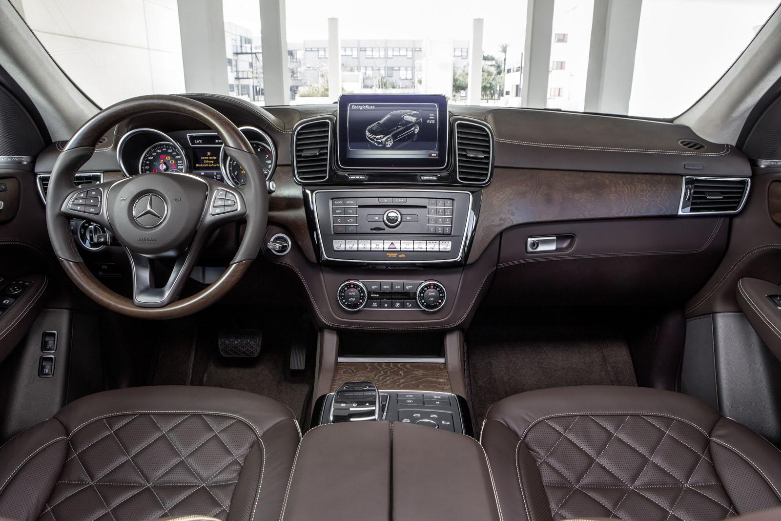 Mercedes GLE dashboard official image
