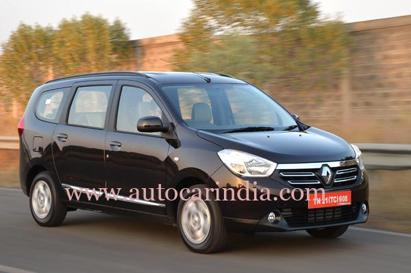 Renault Lodgy India spec front quarter
