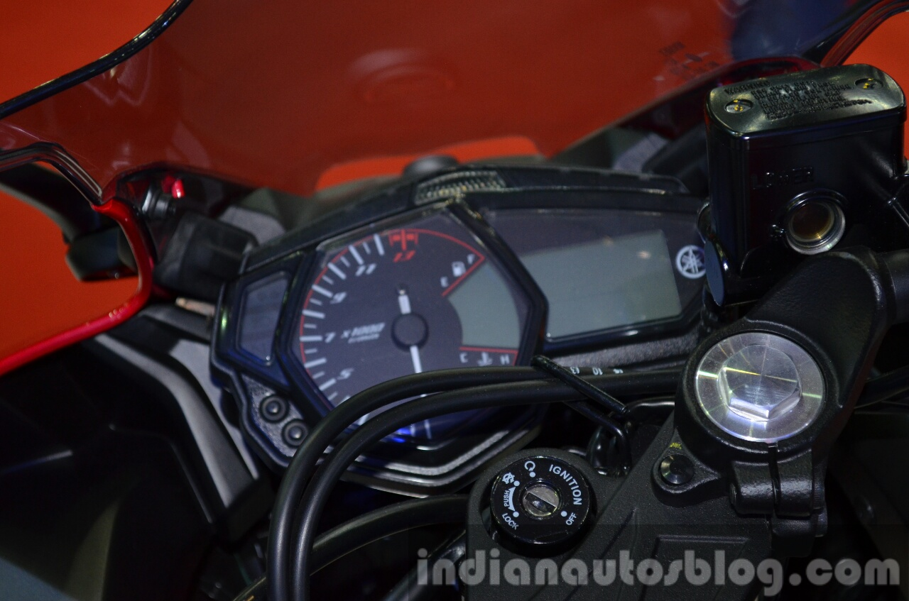 Yamaha YZF-R3 ignition at 2015 Bangkok Motor Show