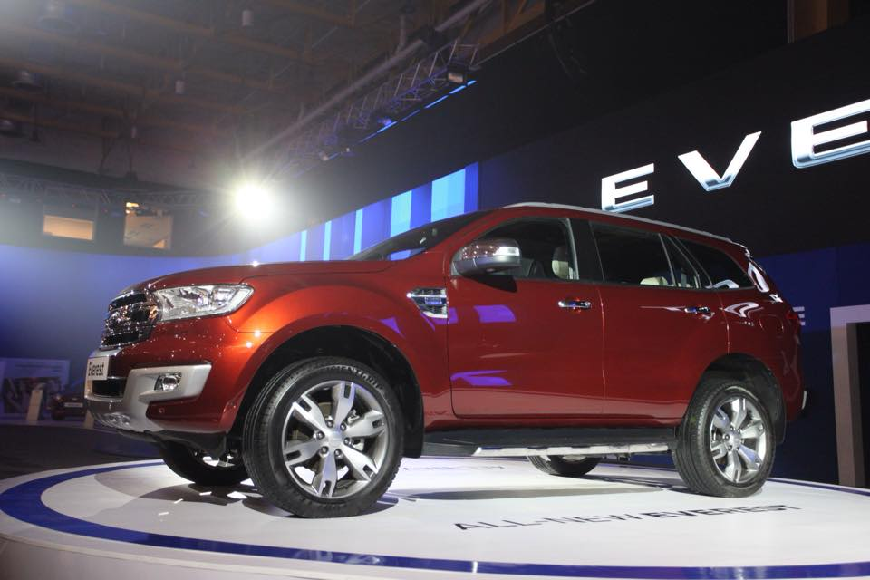 2015 Ford Endeavour 2015 Ford Everest front quarter at the Manila International Auto Show