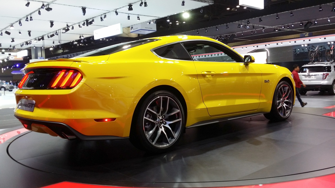2015 Ford Mustang Coupe rear three quarter at the 2015 Seoul Motor Show