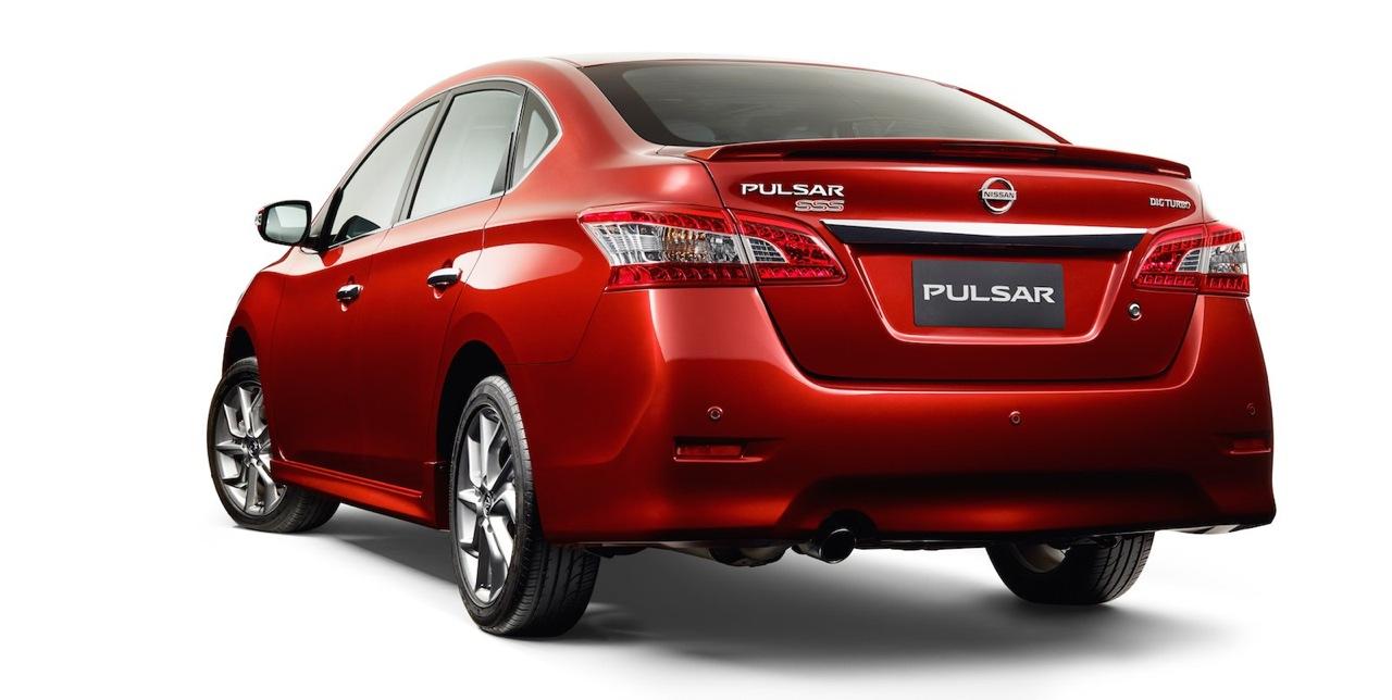 2015 Nissan Pulsar SSS sedan rear press image