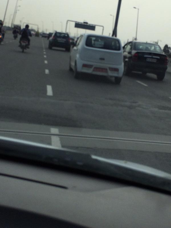 2015 Suzuki Alto rear spied in India