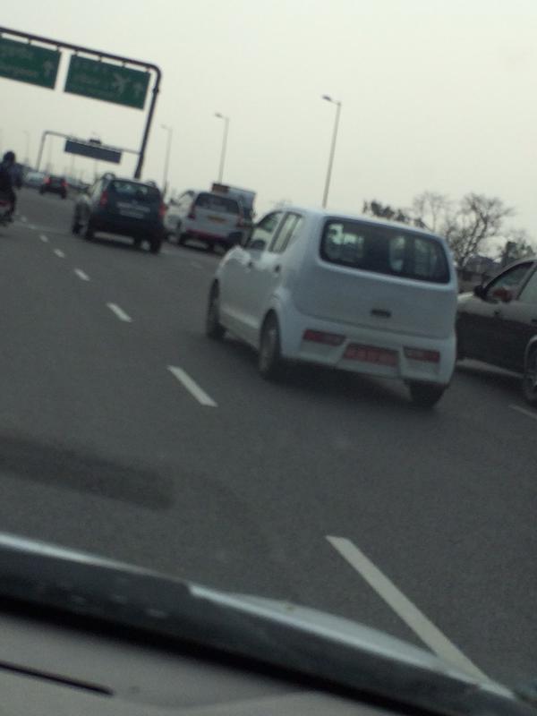 2015 Suzuki Alto spied in India
