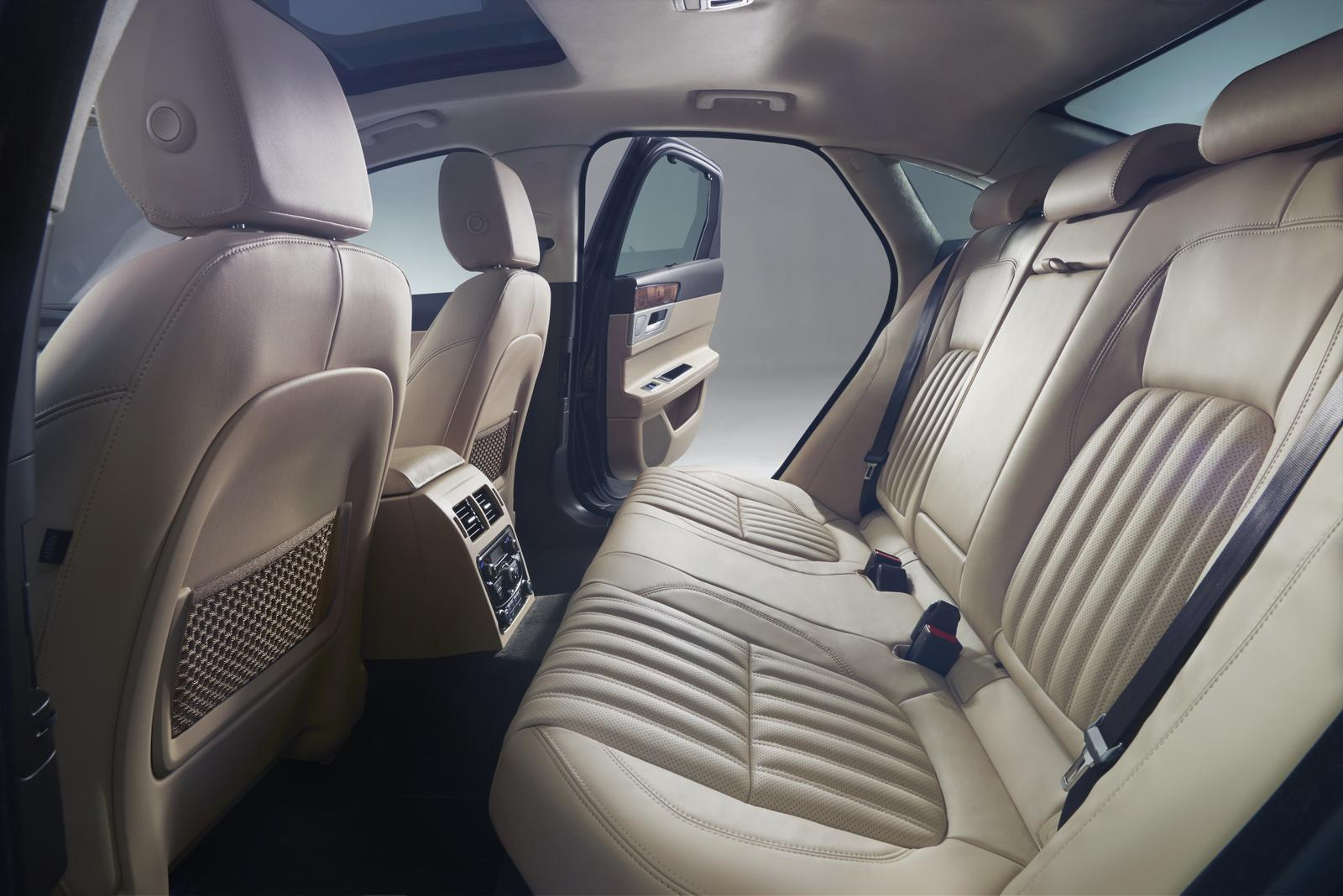 2016 Jaguar XF rear seat official image