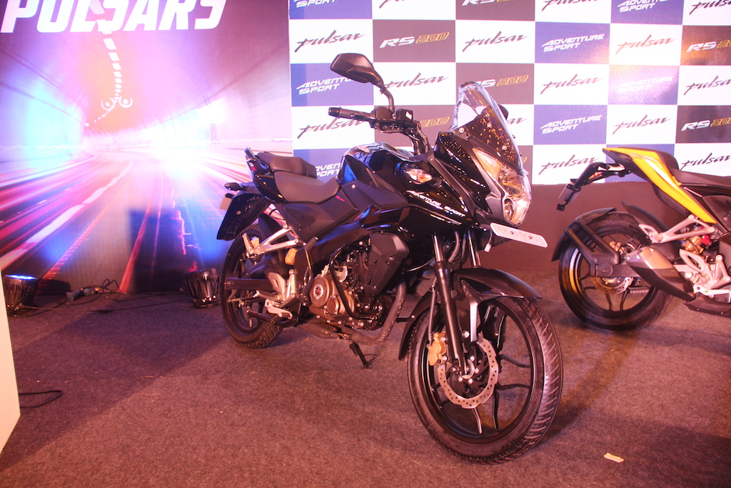 Bajaj Pulsar AS 150 Launched In Pune Front Right Three Quarters