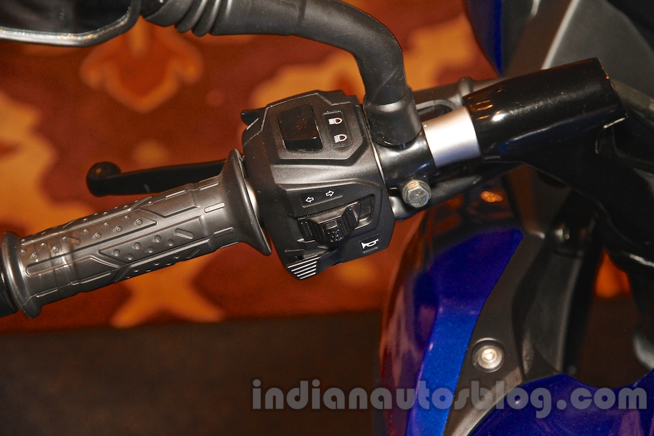 Bajaj Pulsar AS 150 handle
