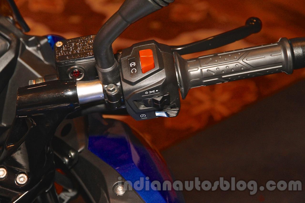Bajaj Pulsar AS 150 switches