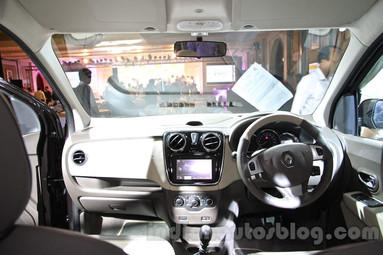 Renault Lodgy dashboard India launch