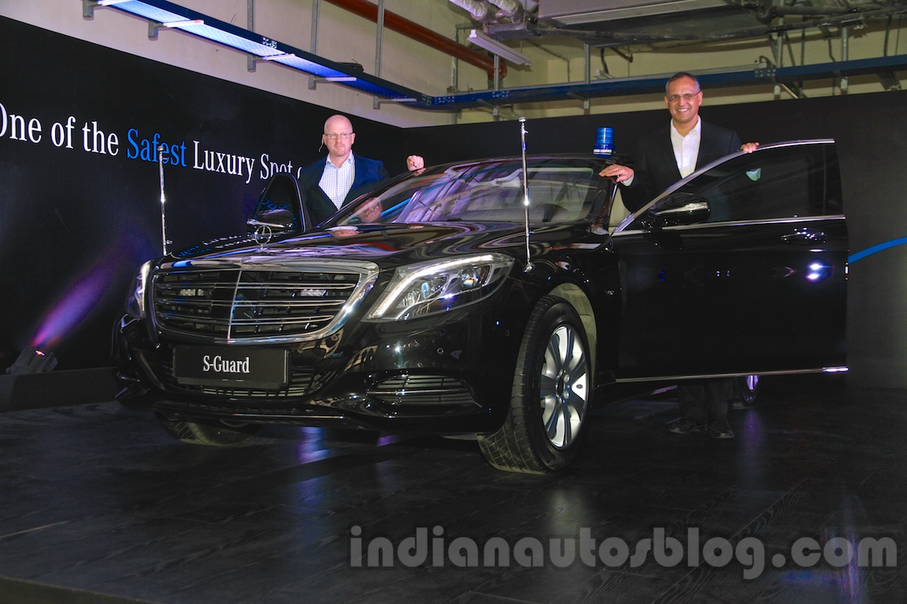 https://img.indianautosblog.com/2015/05/2015-Mercedes-S600-Guard-front-three-quarter-launched-in-India.jpg