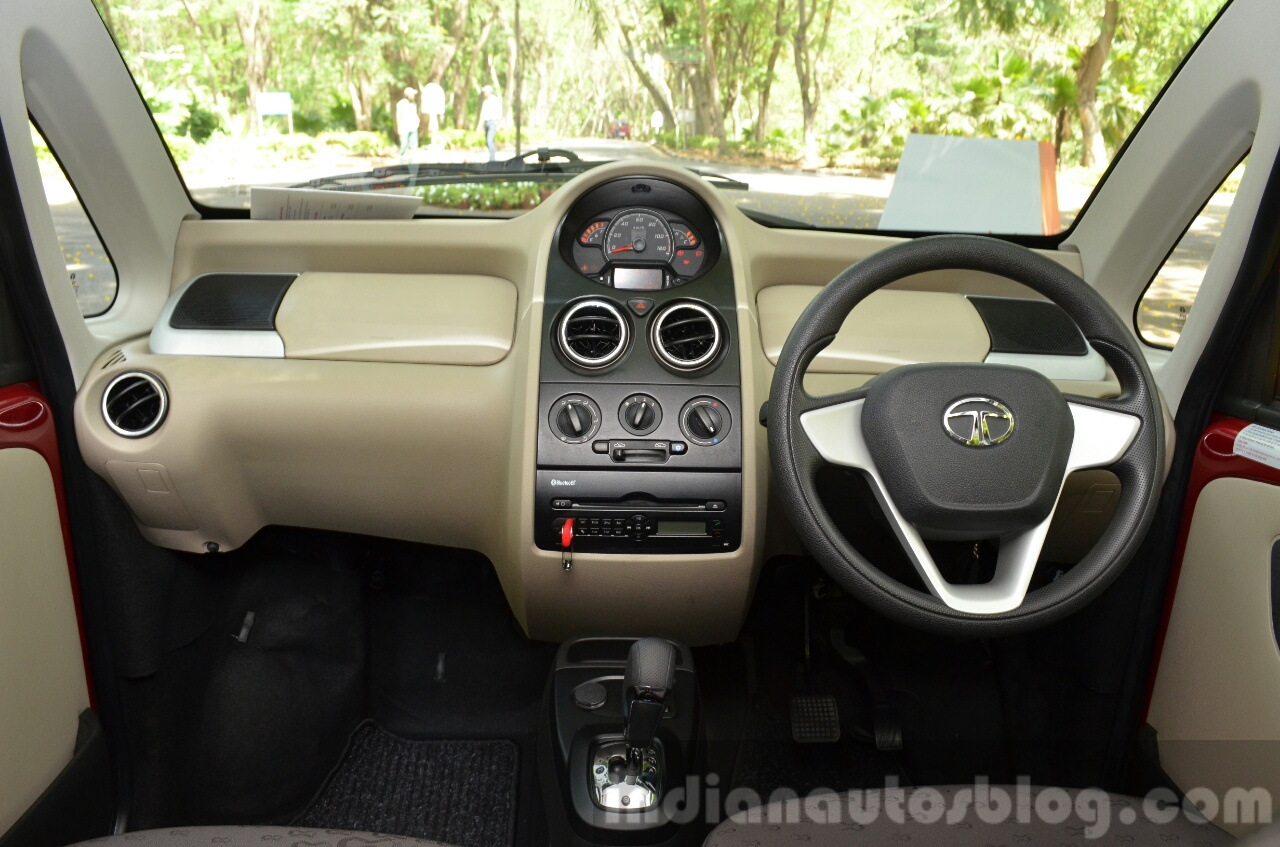 Toyota C Hr Interior Dashboard further Nissan Juke Special Edition Japan Interior in addition Rr Evoque My Wd additionally Audi A Interior At Geneva Motor Show as well Jlr Boss Confirms Land Rover Defender Is Already Testing On Public Roads. on land rover dc interior