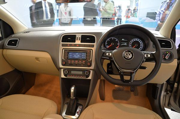 2015 Volkswagen Vento interior indian spec facelift revealed