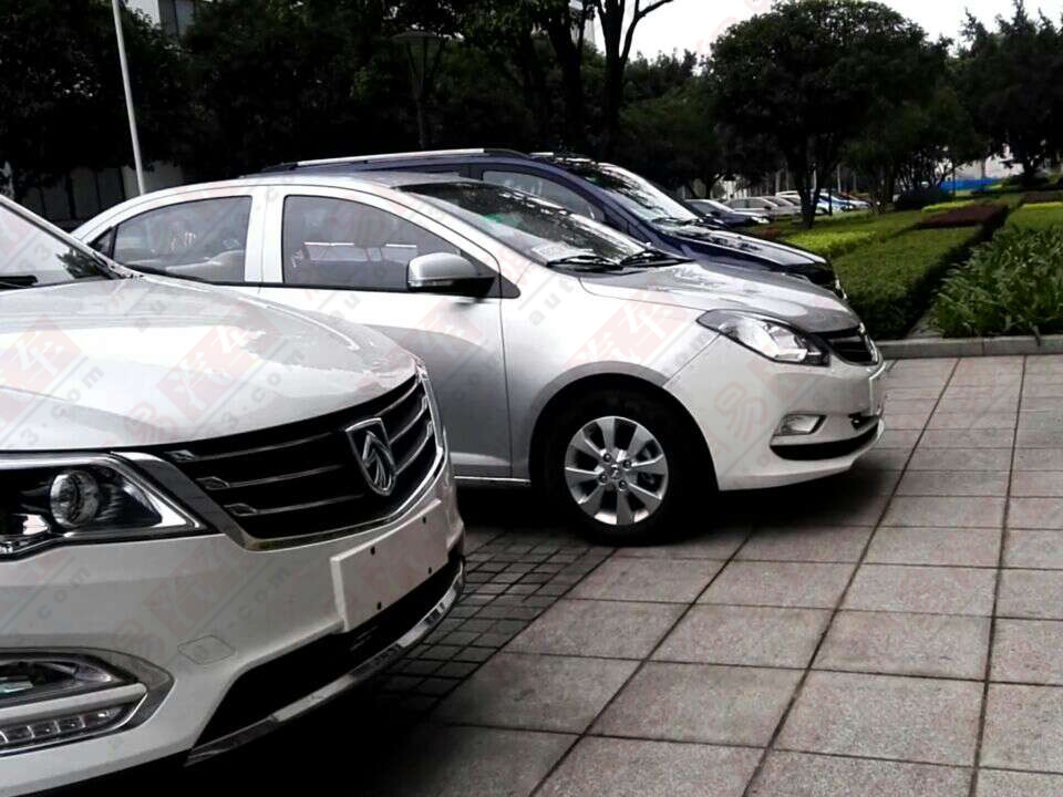 2016 Baojun 330 side spotted undisguised