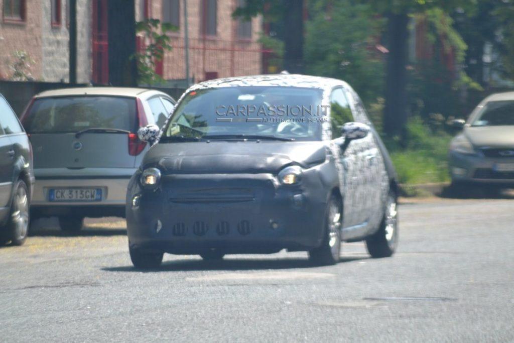 2016 Fiat 500 front three quarter spied in Turin
