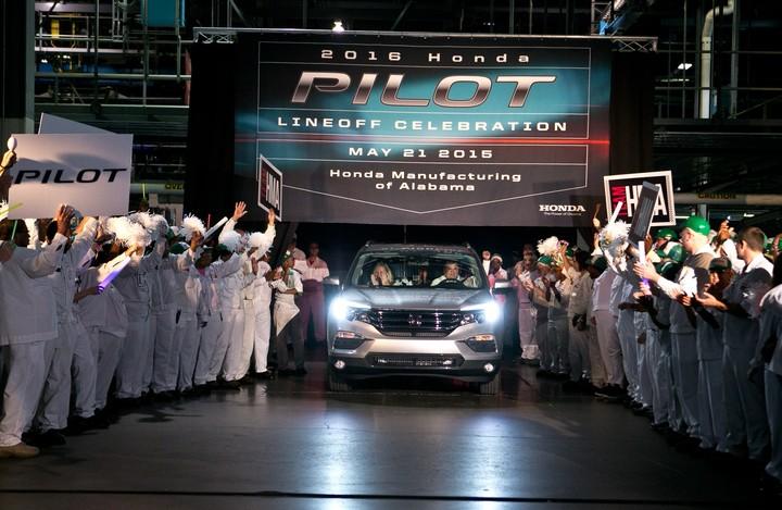 2016 Honda Pilot front mass production commences
