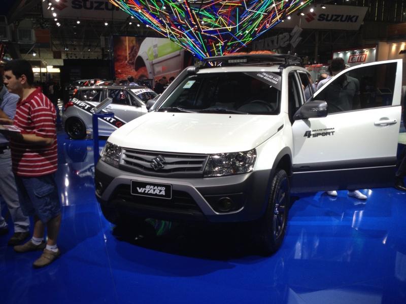 2014 Suzuki Grand Vitara 4Sport front quarter at the 2014 Sao Paulo Motor show