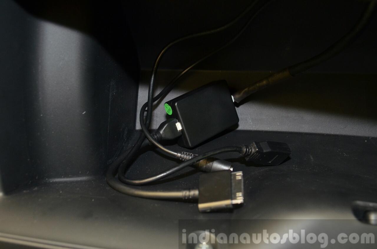 2015 Honda Jazz 1.2 VX MT connectors India