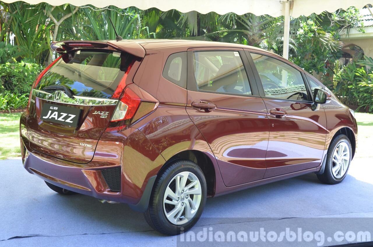 2015 Honda Jazz 1.2 VX MT rear quarter India