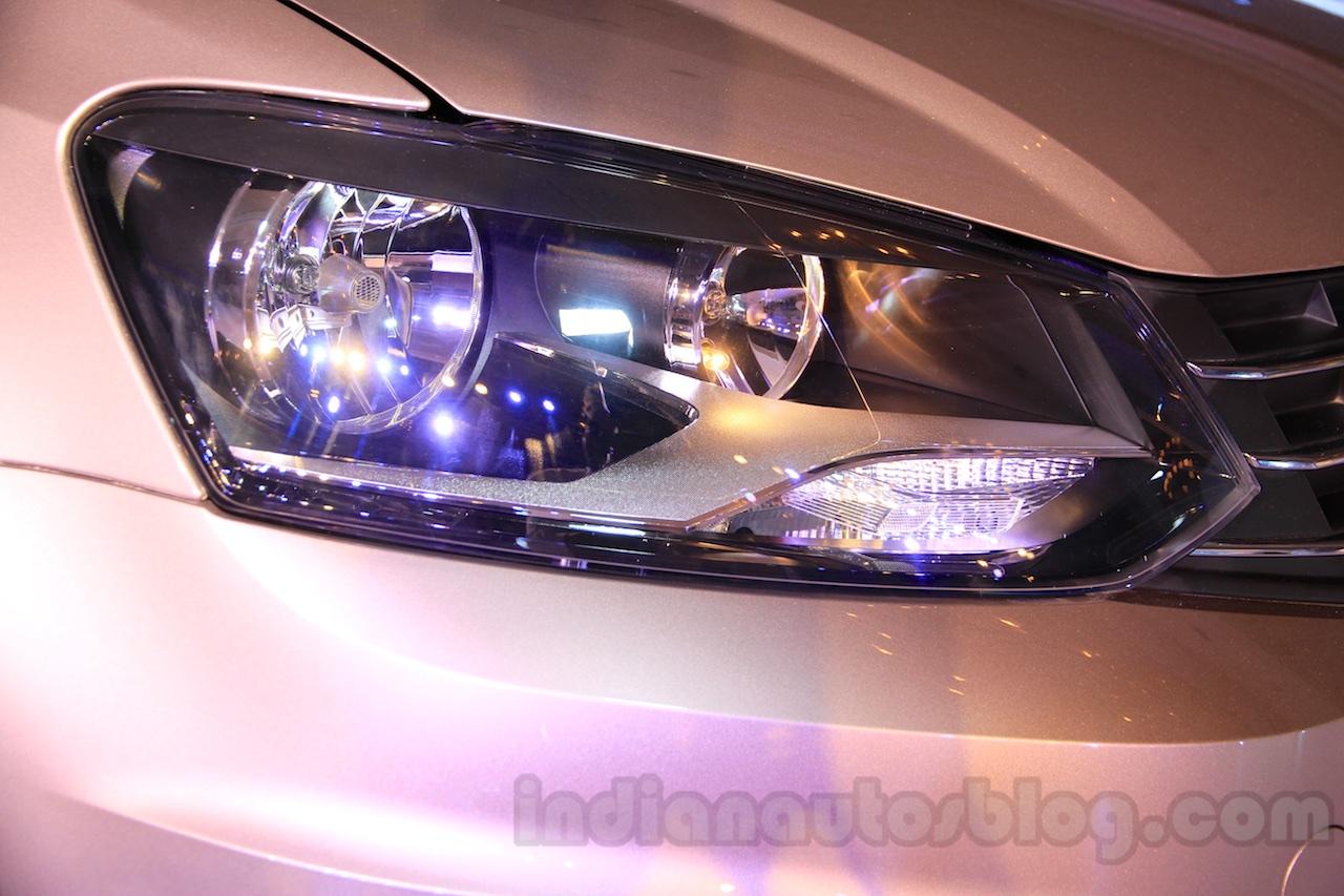 2015 VW Vento facelift headlight