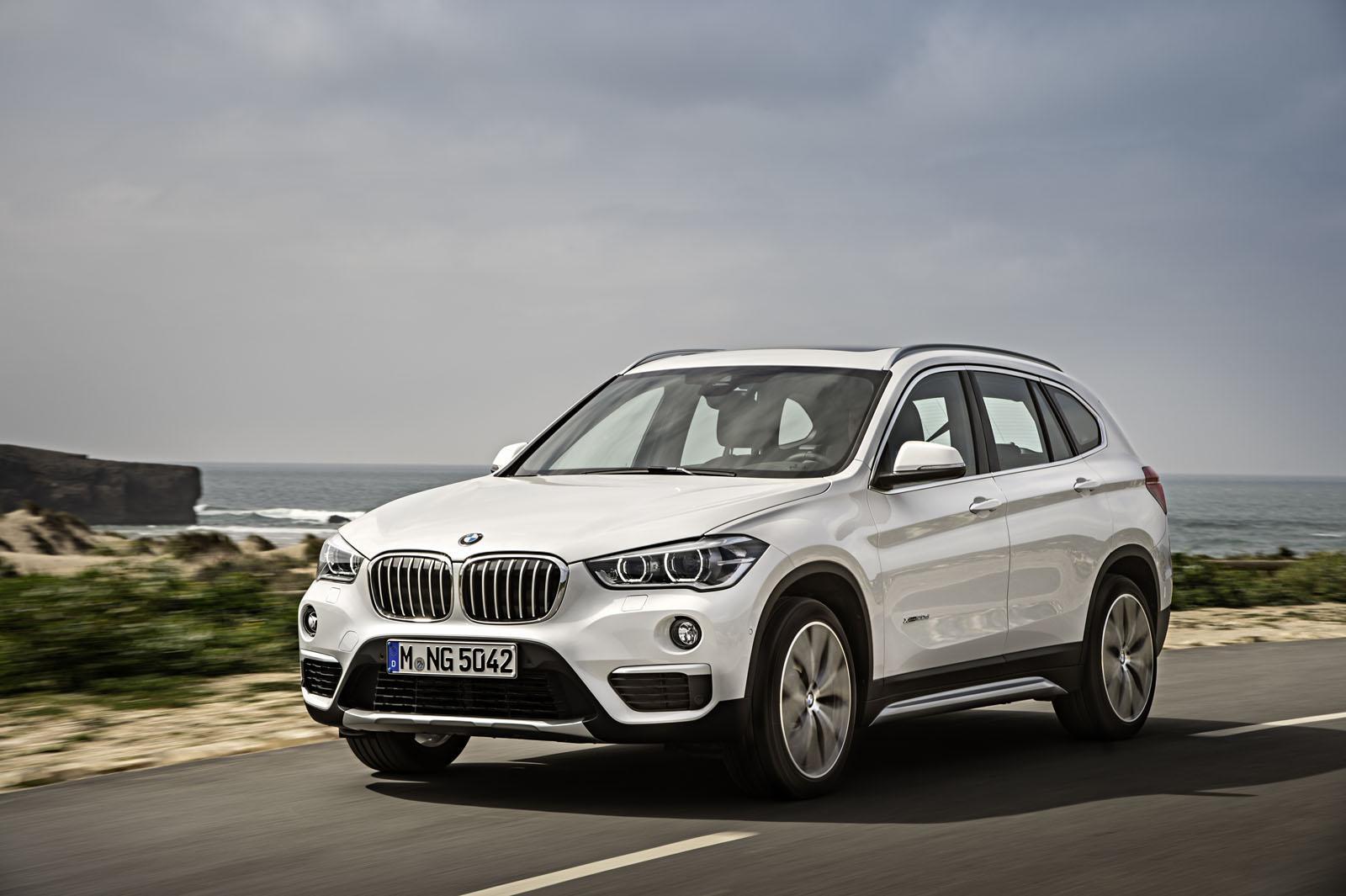 2016 BMW X1 front quarters