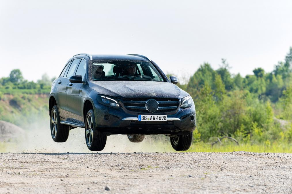 2016 Mercedes GLC Class front quarter features detailed