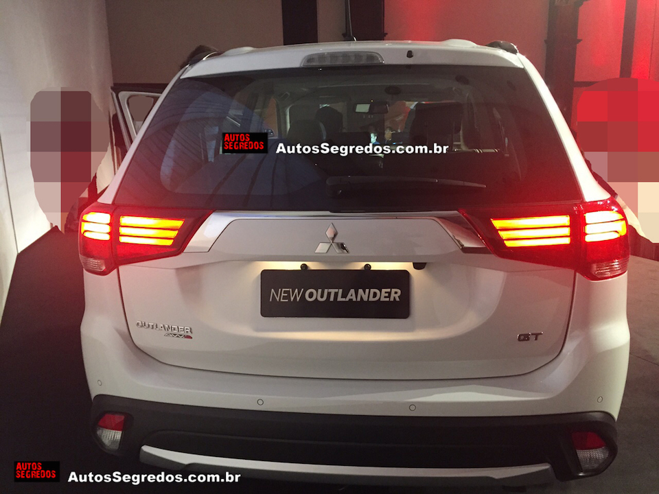 2016 Mitsubishi Outlander rear available in diesel variant