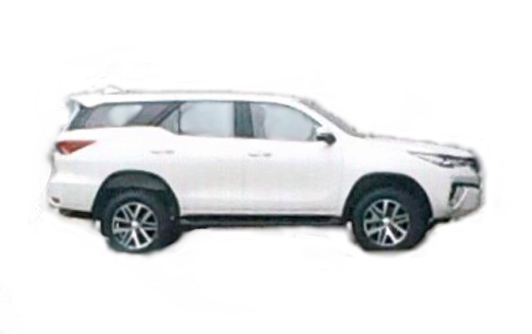 2016 Toyota Fortuner side leaked