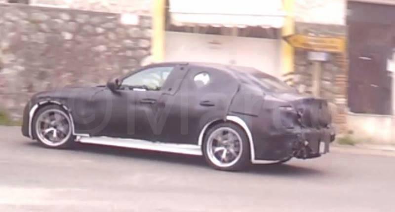 Alfa Romeo Giulia rear quarter spied