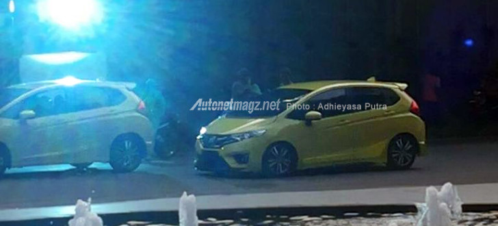 Honda Jazz sporty variant side spied Indonesia