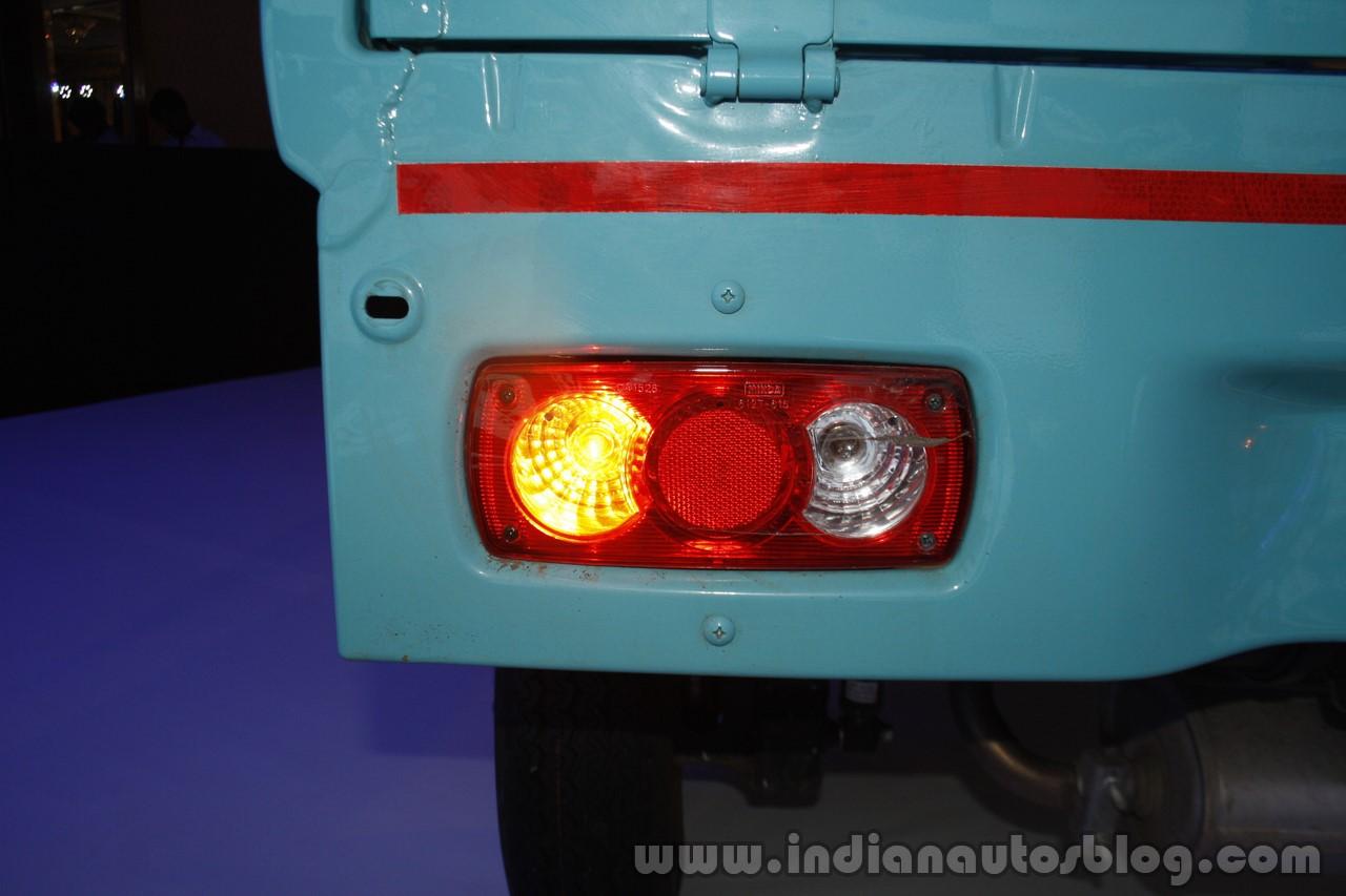 Mahindra Jeeto Launch L6-11 taillight