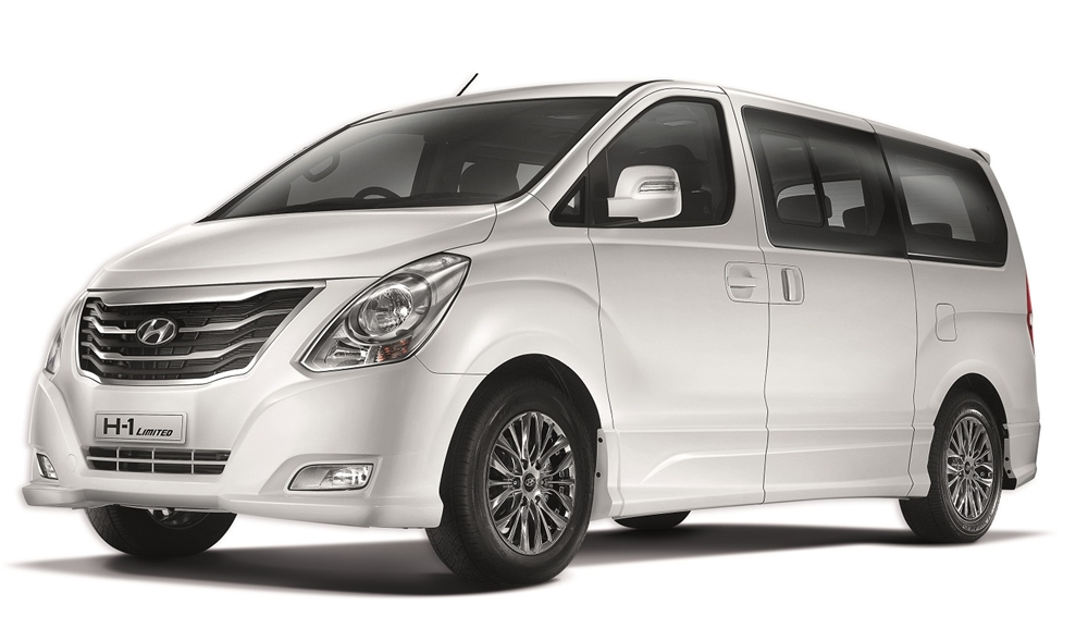 2015 Hyundai h1 front three quarter to launch at BIG motor sale 2015