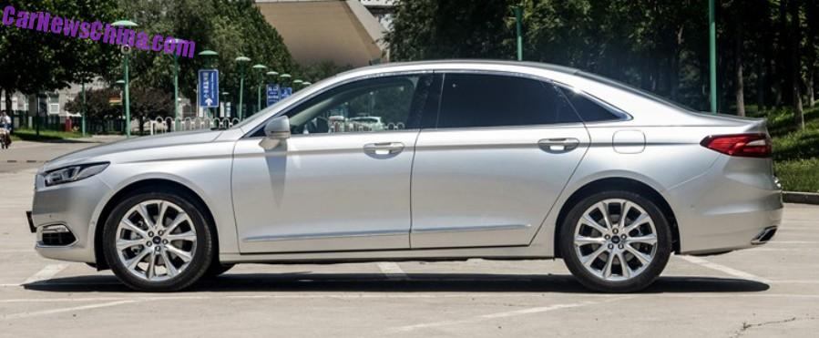2016 Ford Taurus side spotted in the flesh post unveil