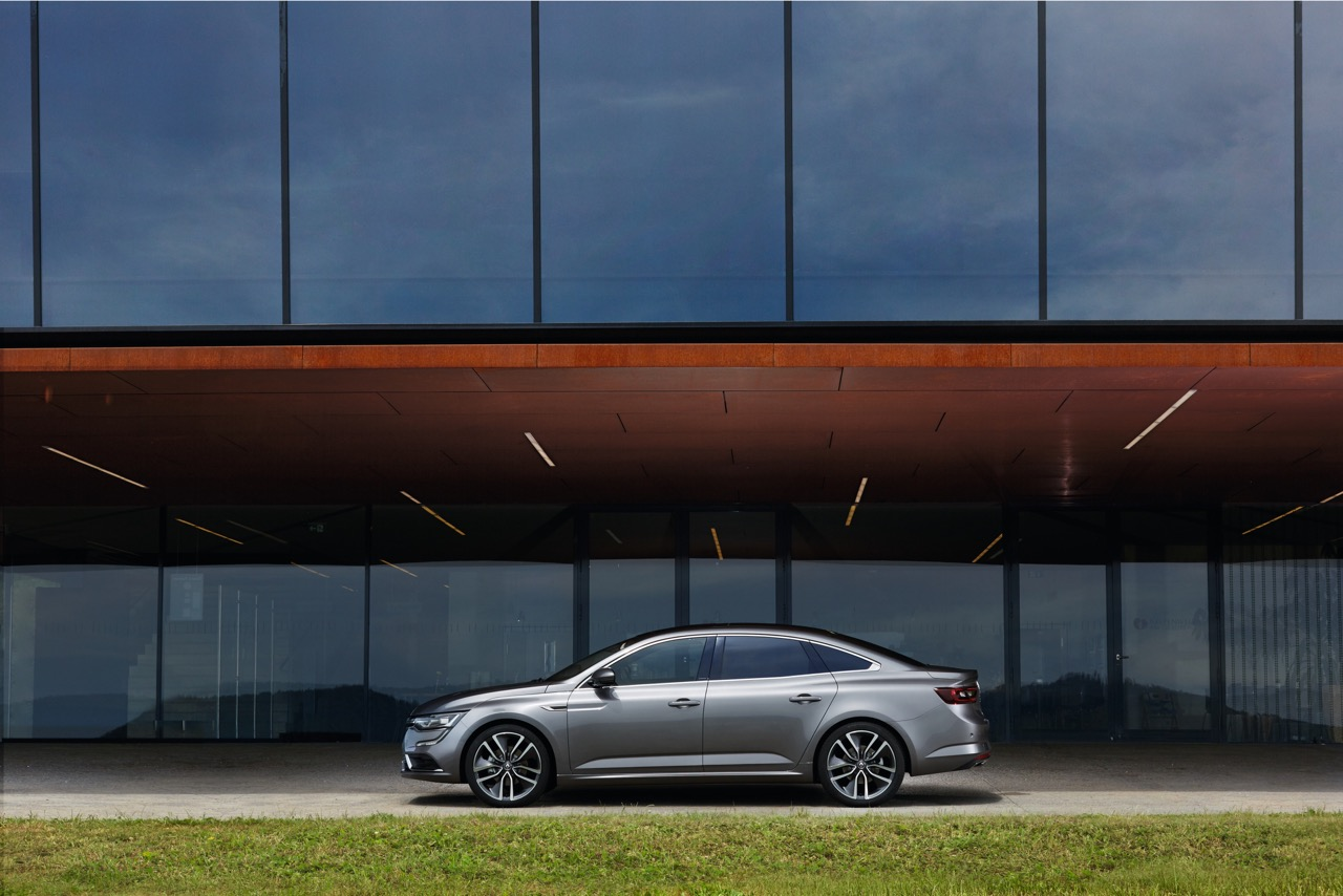 2016 Renault Talisman side unveiled