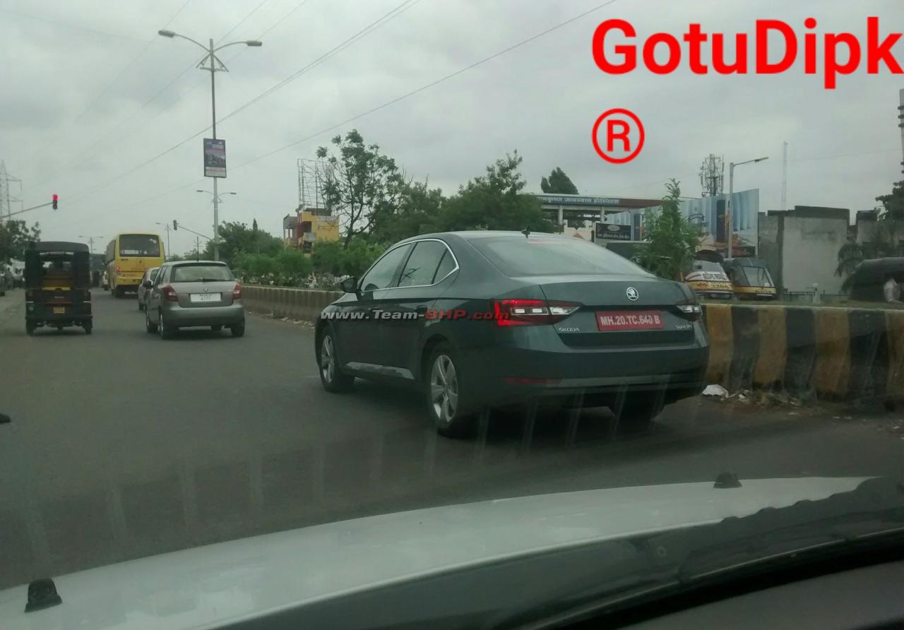 2016 Skoda Superb rear quarter India spied