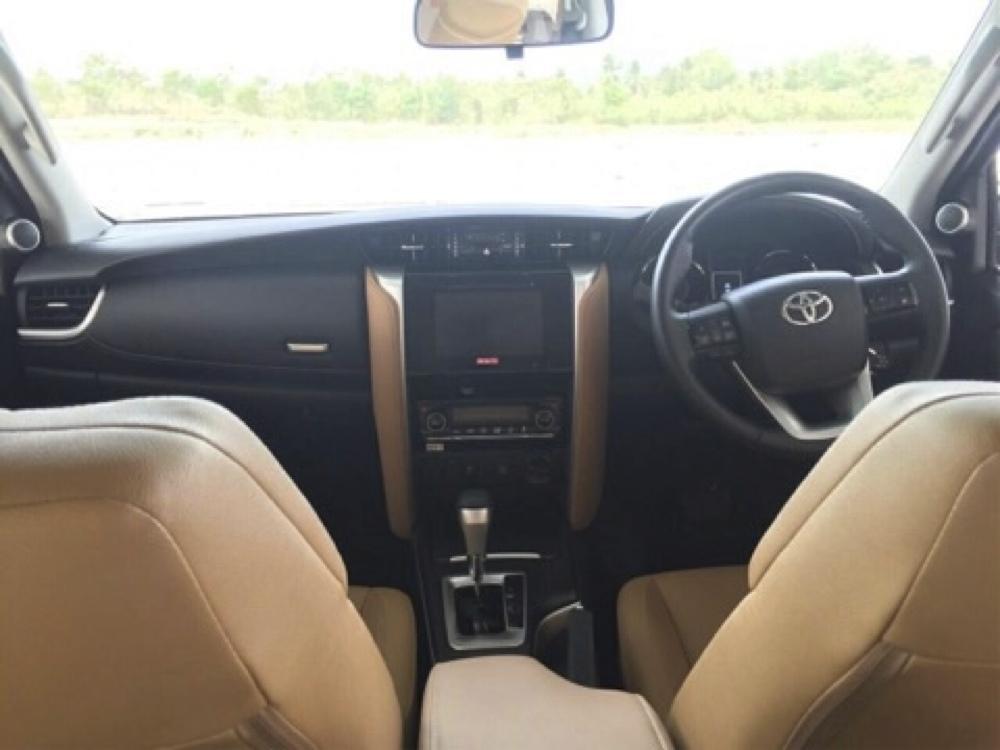 2016 Toyota Fortuner dashboard leaked spyshot