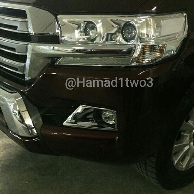 2016 Toyota Land Cruiser facelift headlight revealed